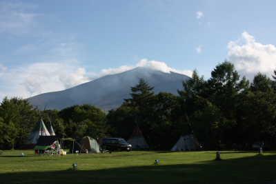 キャンプ場と浅間山