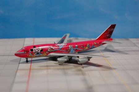 JAL ディズニー赤 左側-1