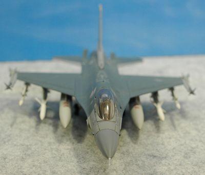 F-16C MJ正面_R