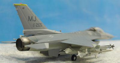 F-16C MJ右後方_R