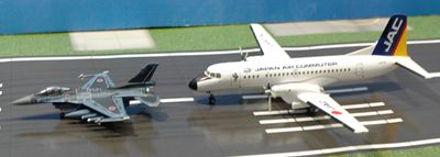70 YS-11とF-2_R
