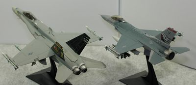 比較F-16vsFA-18左後ろ_R