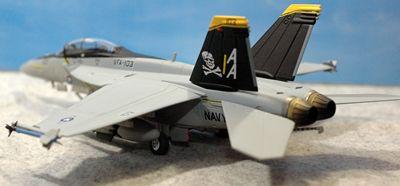 20 F-18_R