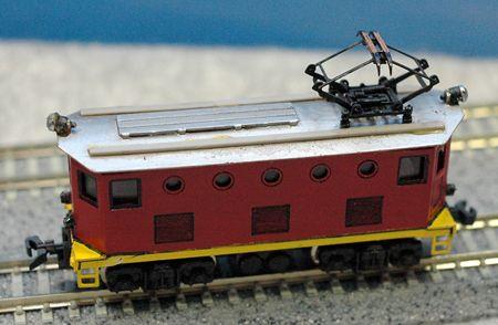 21 アルモデル 小型電機 赤_R