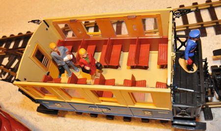 13 LGB客車と乗客_R