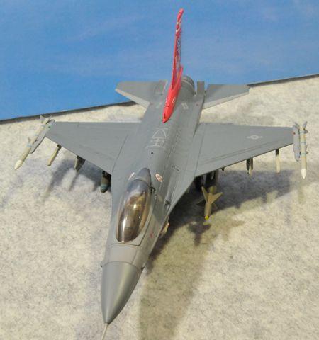 1-4 F-16_R