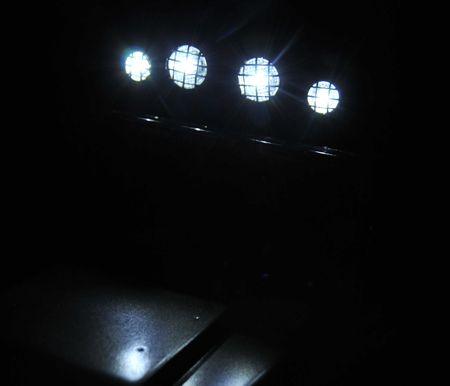 11 照明を落として撮影_R