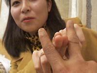 【無修正】浮気発覚で剃毛!小悪魔三十路 香菜枝