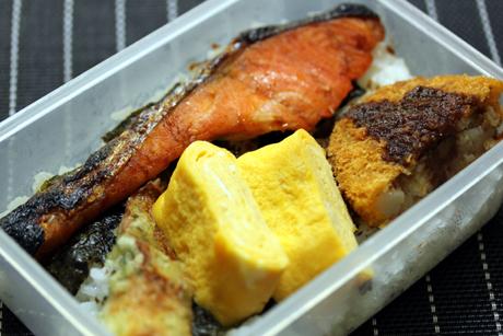 海苔鮭コロ弁当
