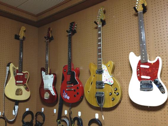 ギター壁かけ