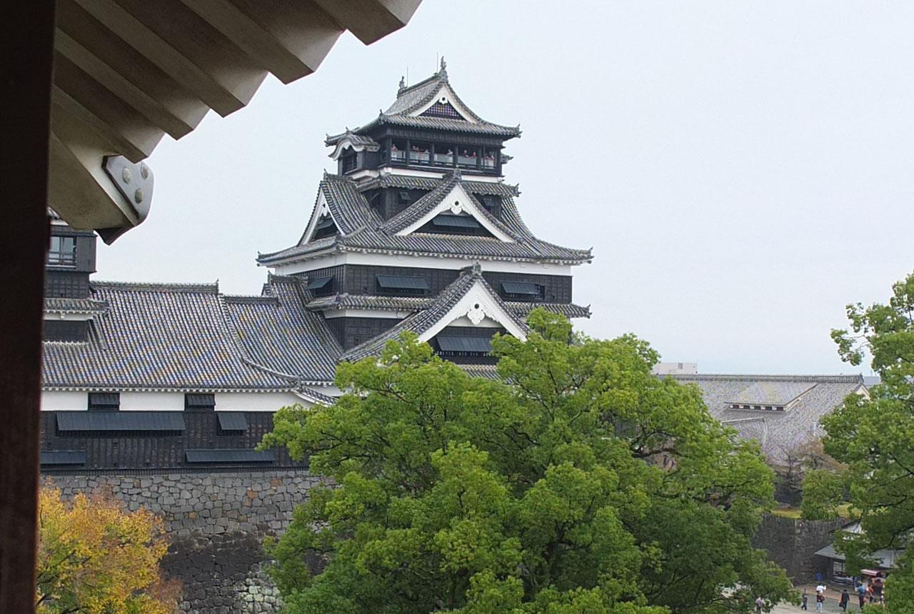 0424 宇土櫓からの天守閣 横 645×960