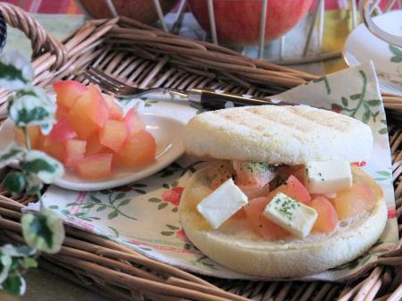 ジンジャーハニーアップルとクリームチーズのサンド(450)