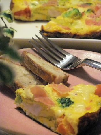 鶏肉と春キャベツの塩麹蒸しでスパニッシュオムレツ♪(350)