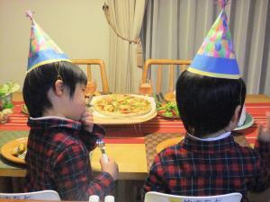 隆ちゃん啓ちゃん 4歳お誕生日(300)