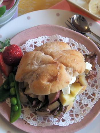 さつま芋とジンジャーハニーアップルのくるみパンさんど(350)