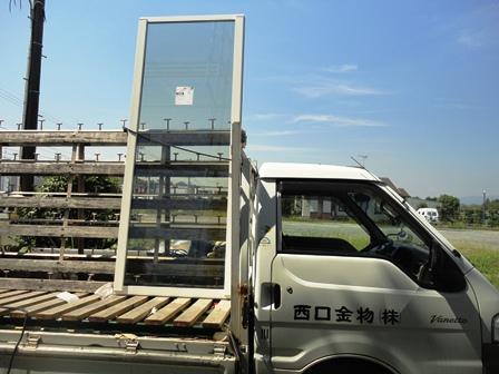 窓ガラス搬入4.JPG