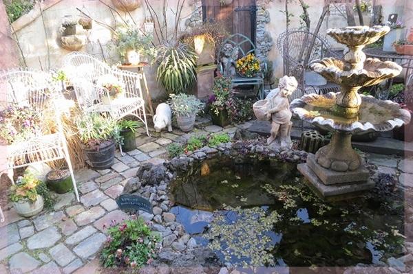 素敵な園芸店の庭