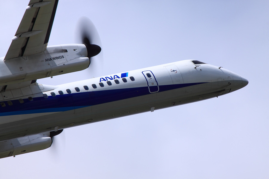 ANA Wings DHC-8-402Q / ANA1637