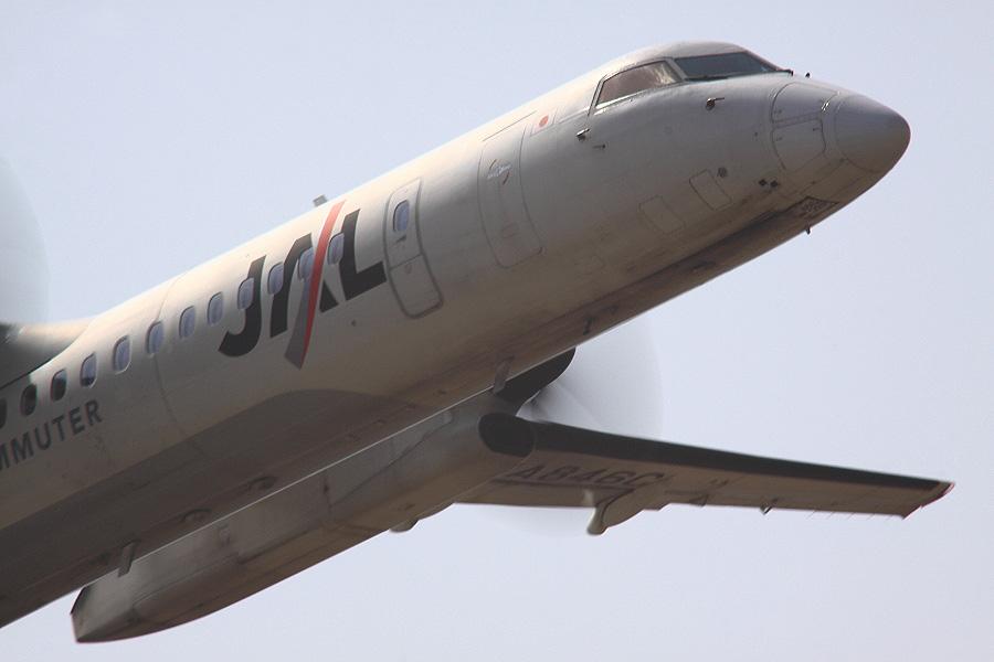 JAC DHC-8-402Q JAC2403@下河原緑地展望デッキ(by EOS 50D with SIGMA APO 300mm F2.8 EX DG HSM + APO TC2x EX DG + APO TC1.4x EX DG)