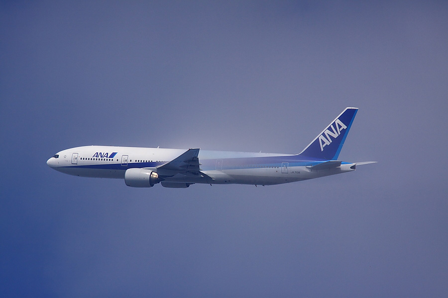 ANA B777-281 ANA771@瑞ヶ池公園(by EOS50D with SIGMA APO 300mm F2.8 EX DG/HSM + APO TC1.4x EX DG)