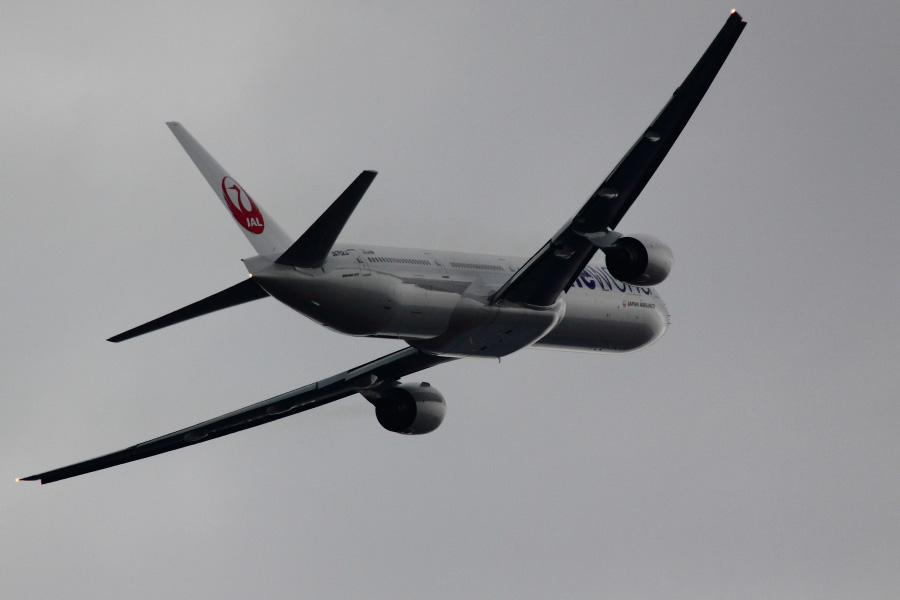 JAL B777-346 JAL2081@下河原緑地展望デッキ(by EOS 50D with SIGMA APO 300mm F2.8 EX DG HSM + APO TC1.4x EX DG)
