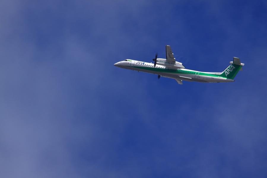 ANA-Wings DHC-8-402Q / ANA1673 (JA857A)