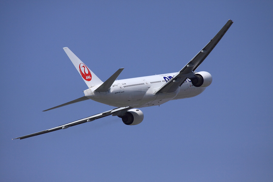 JAL B777-246 JAL110@下河原緑地展望デッキ(by EOS 50D with EF100-400mm F4.5-5.6L IS USM)