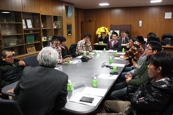 20120127農協青年部役員が金平町長と懇談