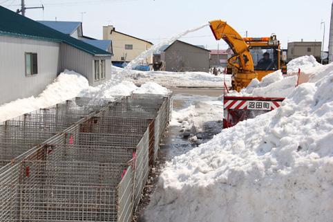 20120420雪の科学館雪入れ