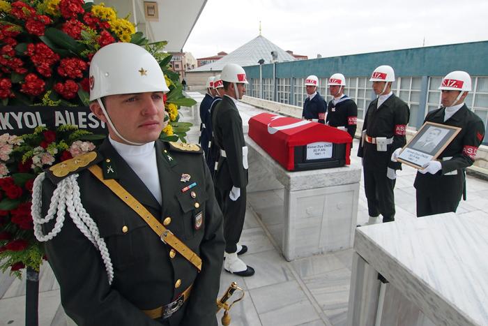 107アンカラ2012軍人の葬儀
