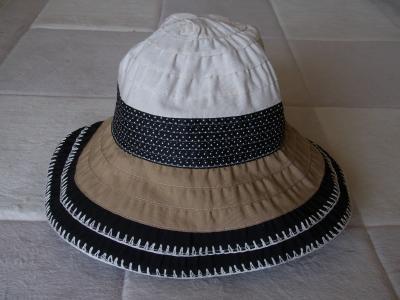 日焼け帽子2縮小