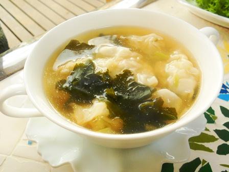 ワンタンわかめスープ