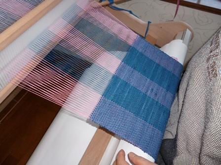 ポーチ用、藍染で横糸(桜と海の波コラボ)
