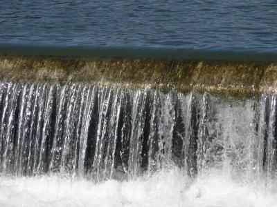 川の堰 その2