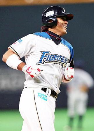日本ハム・稲葉メモリアル試合で代打逆転3号2ラン