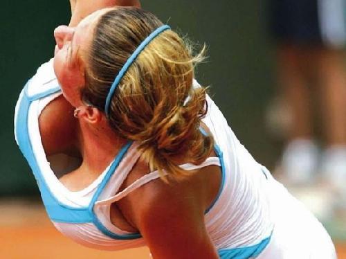 Hカップをバルンバルン揺らしていたテニス選手が乳房を小さくしてしまった件