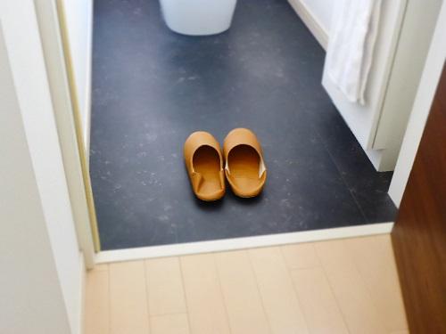 2階トイレ床