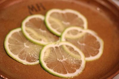 薄切りレモン