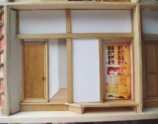 食器棚を貼る