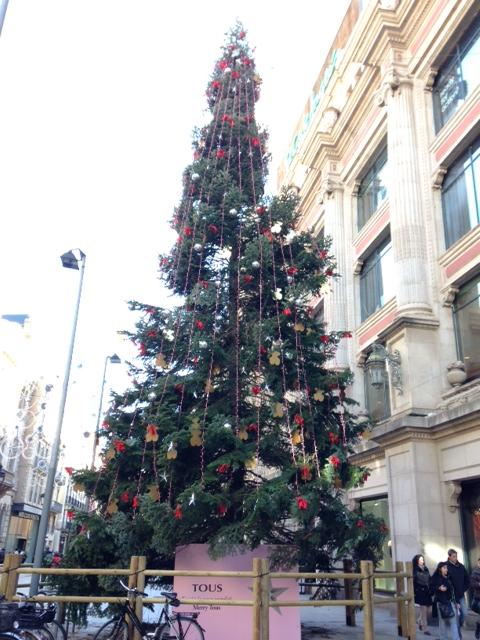 TOUSクリスマスツリー