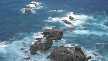 室戸灯台下の海