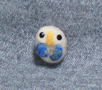 ふくろうのブローチ(青い羽)