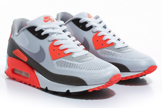 Nike-Air-Max-90-Hyperfuse-Infrared-ctnswbbq2011-Sneakers-02.jpg