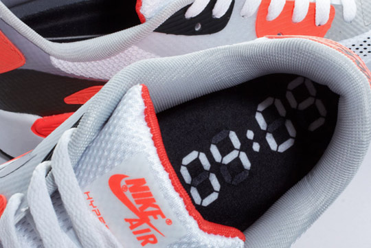 Nike-Air-Max-90-Hyperfuse-Infrared-ctnswbbq2011-Sneakers-05.jpg