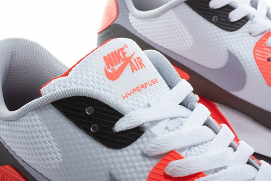 Nike-Air-Max-90-Hyperfuse-Infrared-ctnswbbq2011-Sneakers-06.jpg