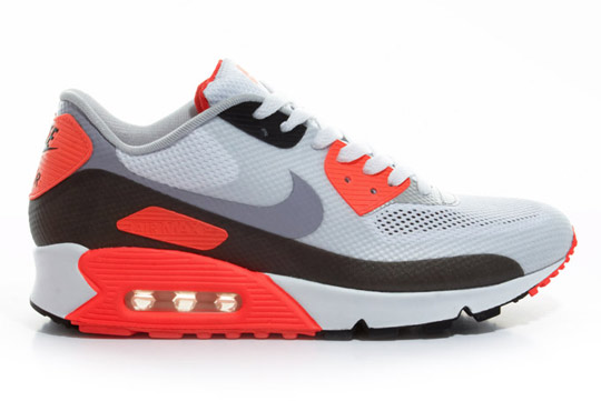Nike-Air-Max-90-Hyperfuse-Infrared-ctnswbbq2011-Sneakers-07.jpg