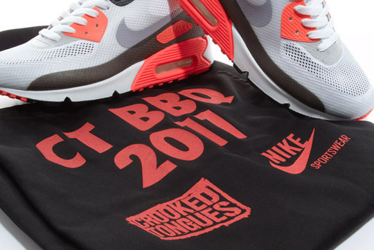 Nike-Air-Max-90-Hyperfuse-Infrared-ctnswbbq2011-Sneakers-08.jpg