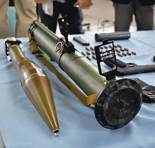 ①ロケット