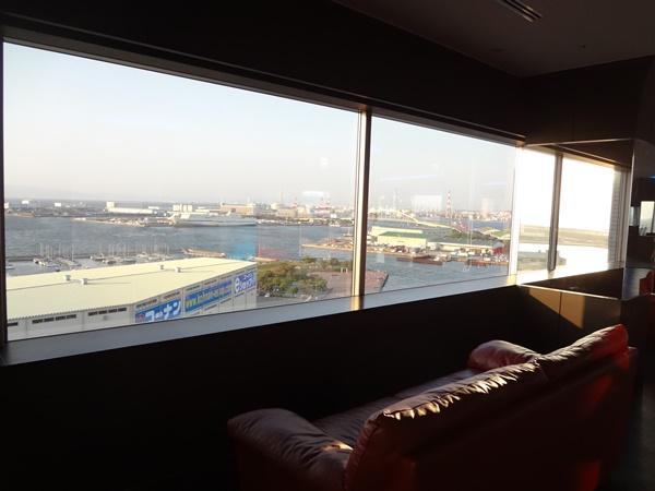 展望室のソファ
