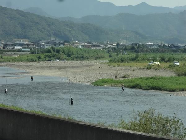 有田川(鮎釣りの人たち)